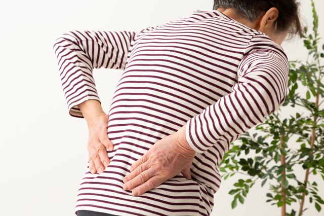 骨粗鬆症の症状